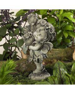 Elfe Lalula, stehend, mit Blumen, betonfarben